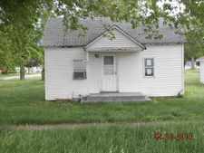 301 E Main St, Out Of County, IL 61810