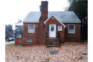 308 Royal Oak Ave, Colonial Heights, VA 23834
