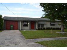 1400 Berwick Dr, Leesburg, FL 34748