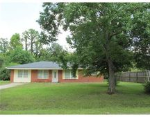 3717 Cochran Ave, Escatawpa, MS 39562