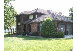 825 Southridge Rd, Osage City, KS 66523