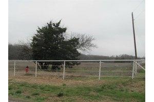 2568 Luella Rd, Sherman, TX 75090
