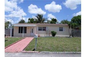 1011 NE 213th Ter, Miami, FL 33179