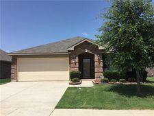 1360 Hillside Dr, Burleson, TX 76028