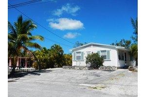 3865 Donna Rd, Big Pine, FL 33043