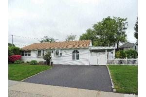 2565 Cypress Ave, East Meadow, NY 11554