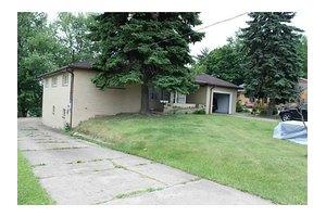 28 Beaver Grade Rd, Robinson Township Nwa, PA 15136
