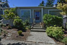 5533 Kenwood Pl N, Seattle, WA 98103