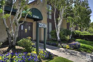 22038 Vanowen St Apt 225, Woodland Hills, CA 91303