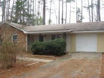 96 Lakeview Dr, Whispering Pines, NC 28327