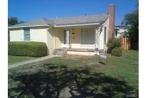 5649 E Los Santos Dr, Long Beach, CA 90815