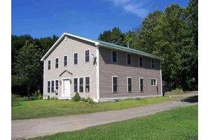 1392 Johnsonville Rd, Pittstown, NY 12094