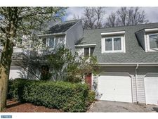 157 S Orchard Ave, Kennett Square, PA 19348
