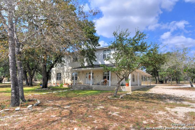 393 cimarron dr floresville tx 78114 home for sale and real estate listing