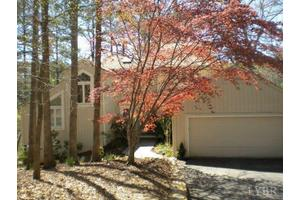 409 Lake Vista Dr, Forest, VA 24551