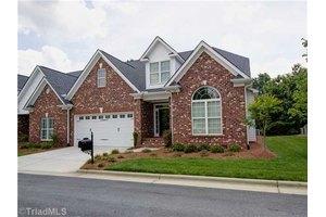 33 Hines Park Ln, Greensboro, NC 27455