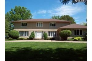 23901 Hermitage Rd, Shaker Heights, OH 44122