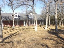196 Brown Ct, Alvord, TX 76225