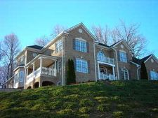6770 Hidden Woods Dr, Roanoke, VA 24018