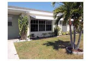 402 Sandpiper Dr Apt B, Fort Pierce, FL 34982