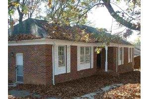209 Willow Oaks Dr, Spartanburg, SC 29301