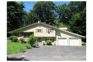 288 Cross St, Boylston, MA 01505