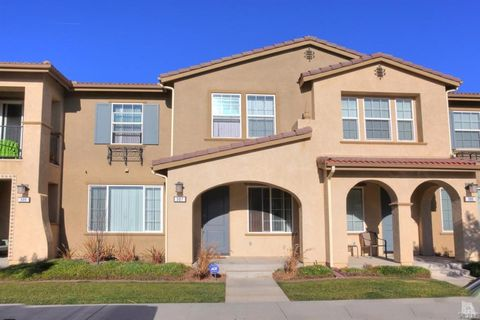 307 American River Ct, Oxnard, CA 93036