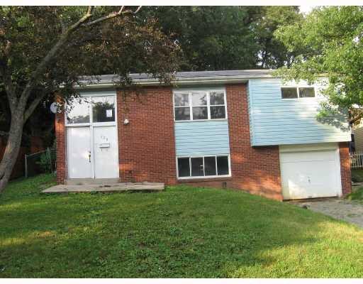 228 Walpole Dr, Penn Hills, PA 15235