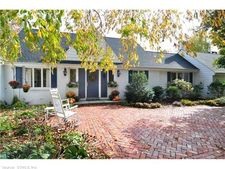 290 Mountain Spring Rd, Farmington, CT 06032