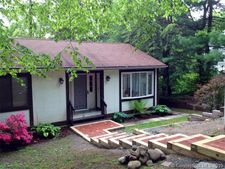 24 Cliff Dr, Avon, CT 06001