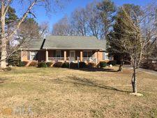515 Circle Dr, Fayetteville, GA 30214