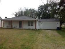 305 S East St, Gardner, IL 60424