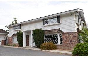 5015 Homesite Dr, Yakima, WA 98908