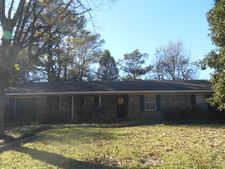 1613 Steen Dr, Clarksdale, MS 38614