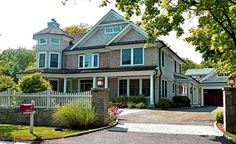 127 Shore Rd, Old Greenwich, CT 06870