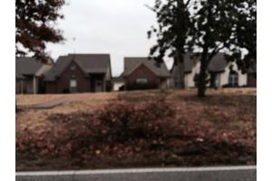 1274 Whitten Rd, Memphis, TN 38134