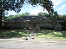 929 Pine Tree Ln, Desoto, TX 75115