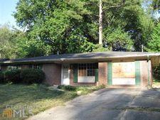 2216 Emerald Castle Dr, Decatur, GA 30035