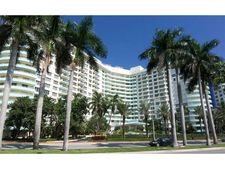 5151 Collins Ave Apt 326, Miami Beach, FL 33140