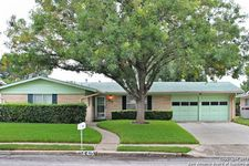 4410 Hall Park Dr, San Antonio, TX 78218