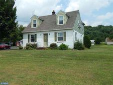 1879 Hoffmansville Rd, Frederick, PA 19435
