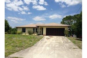 2606 21st St SW, Lehigh Acres, FL 33976