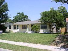 1804 English St, Irving, TX 75061