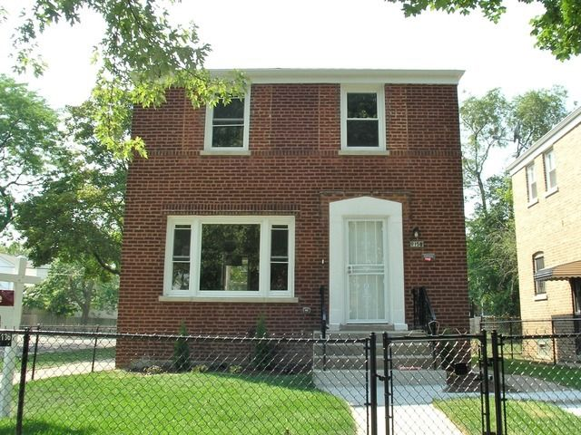 9158 S Dobson Ave, Chicago, IL
