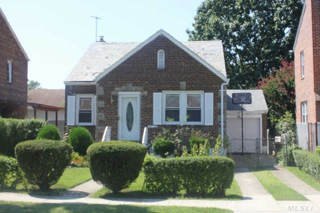 Homes For Sale In Addisleigh Park New York