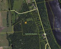 273 Creek Dr, Prompton, PA 18456