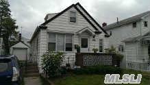 34-35 200th St, Bayside, NY 11361