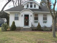 31 Timothy St, Newington, CT 06111
