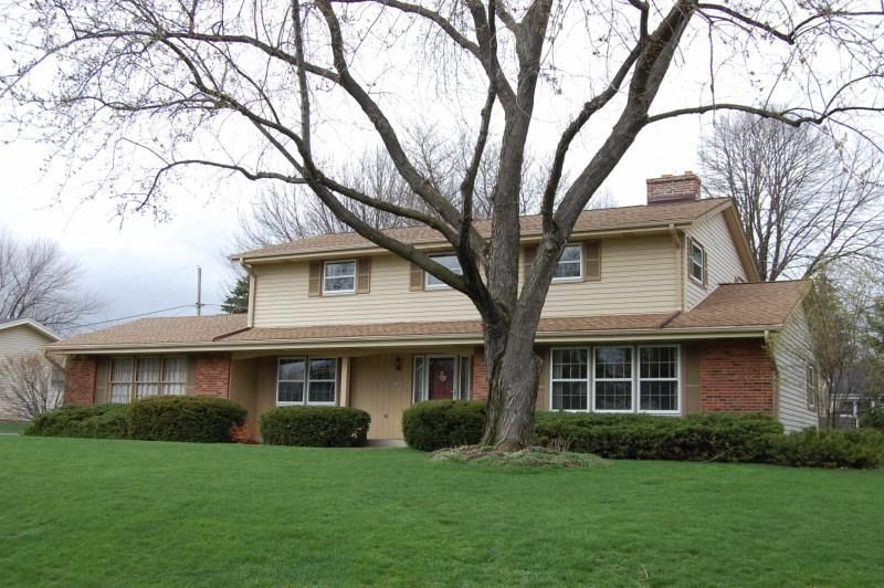 13480 W Forest Knoll Dr, New Berlin, WI 53151 - realtor.com®