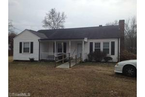 3208 Central Ave, High Point, NC 27260